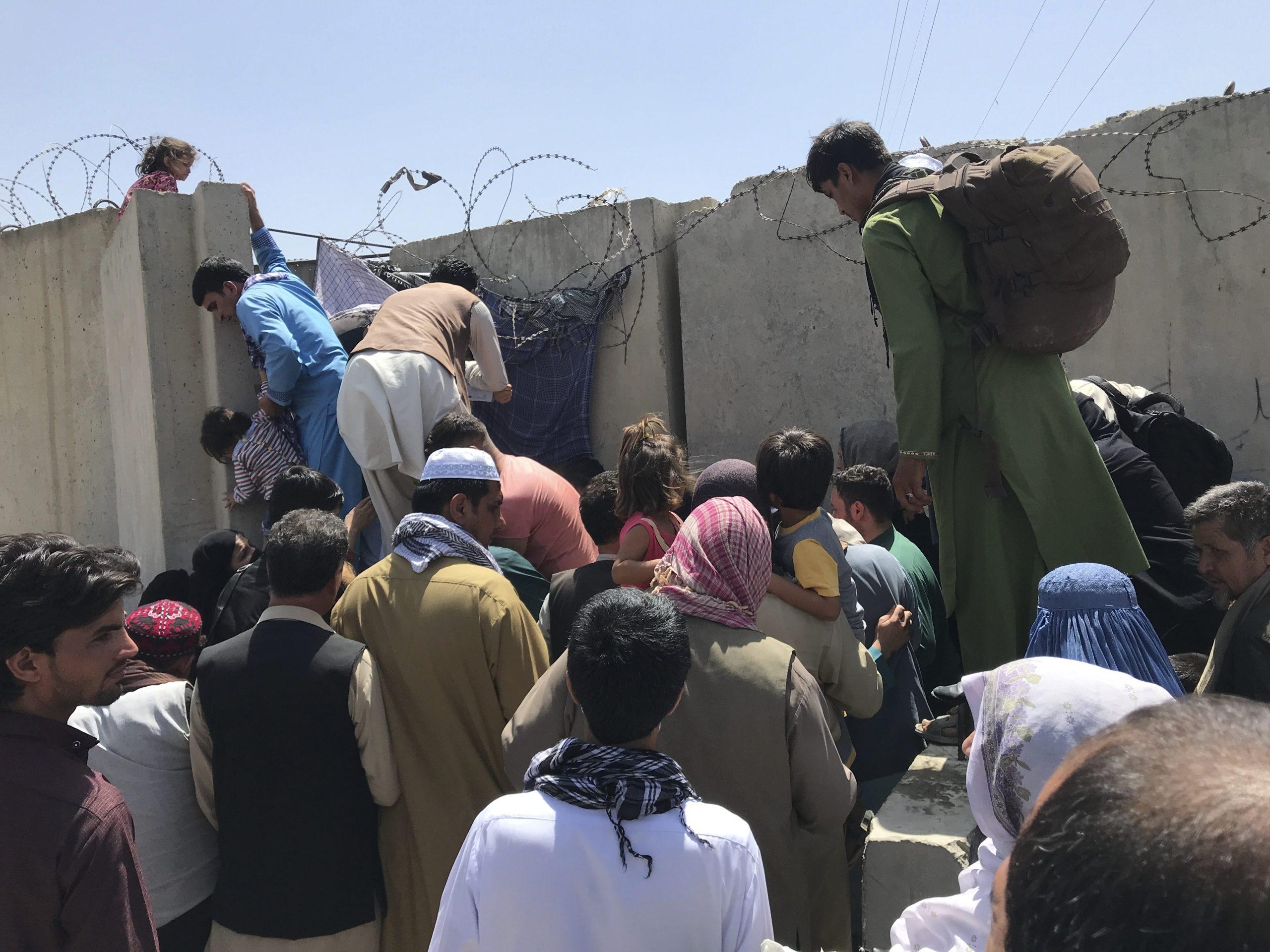 混乱のアフガニスタン、 ネット上で救済活動が活発化
