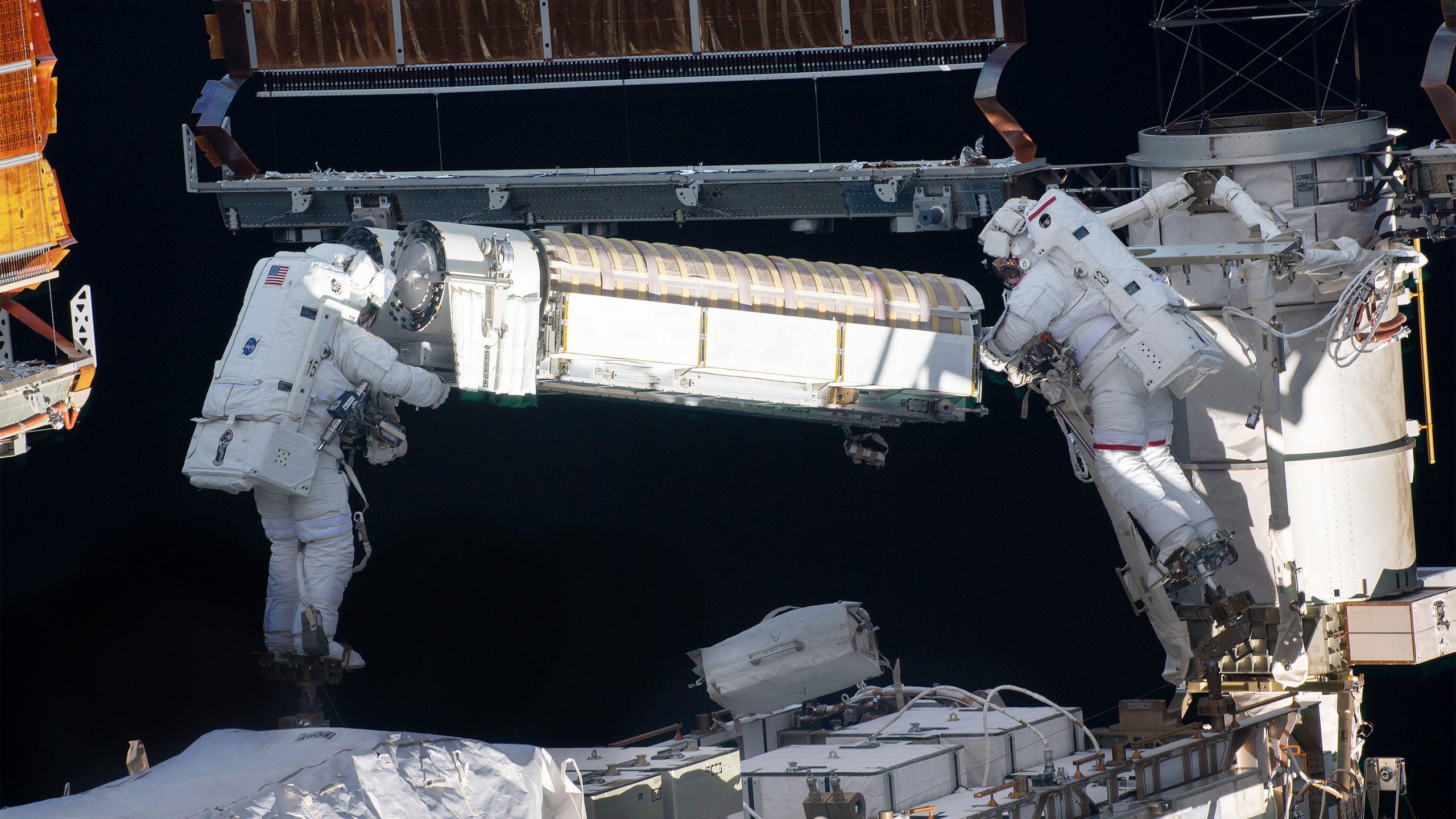 50年で激変した宇宙の利用価値、新たな国際協定はどうあるべきか